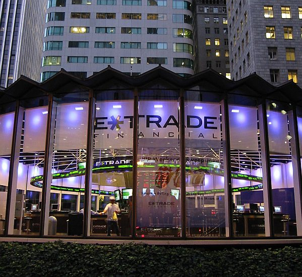 Top 5 Brokers for Free Stocks - E*Trade